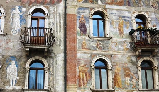 Casa Cazuffi-Rella 542