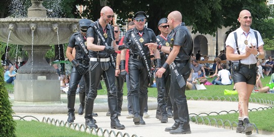 Mr Leather Place des Vosges 542