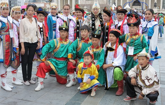 Mongol outfits 542