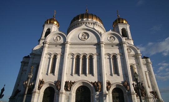 Cathedral of Christ the Saviour by Zurab Tsereteli, on the banks of the Moscow River, replaces earlier cathedral of the same name destroyed by Stalin.