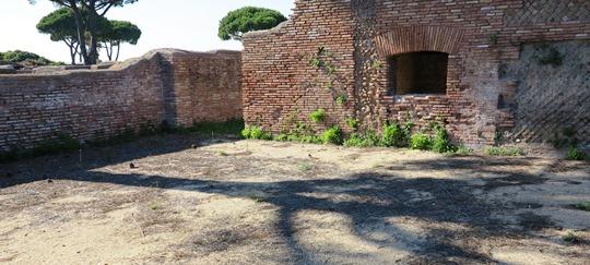 IMG_6749 - Domus dei Dioscuri. Room I, Ostia - 540