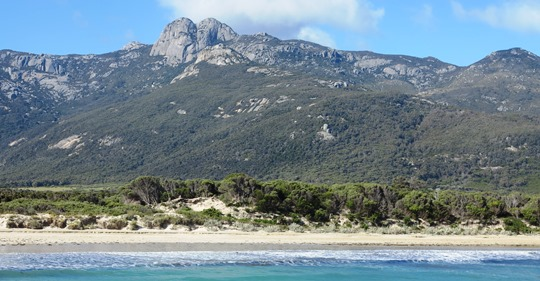 IMG_8818 - Strezelecki Peaks from Trousers Point, Flinders Island - 540