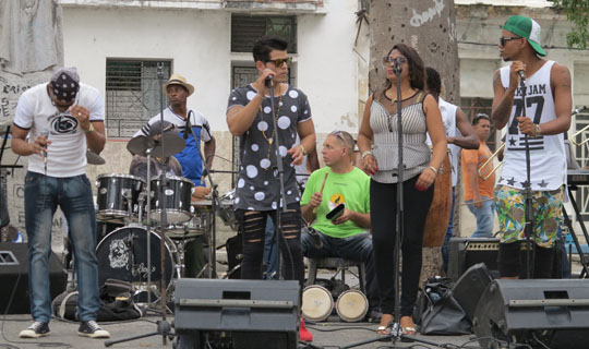 IMG_6425 - band in park square, Havana - 540