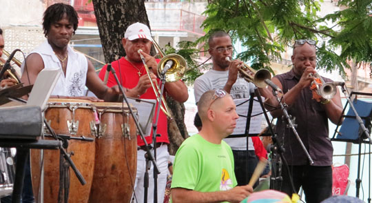 IMG_6435 - band in park square, Havana - 540
