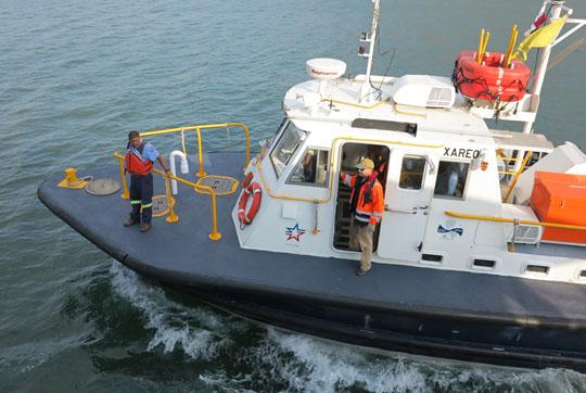 IMG_6756 - pilot boat, Panama Cana - 540